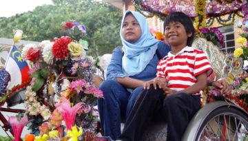 2-girls-malaysia-large